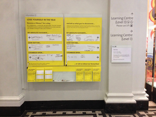 V&A no-maps-day: temp' signs for visitors to write on